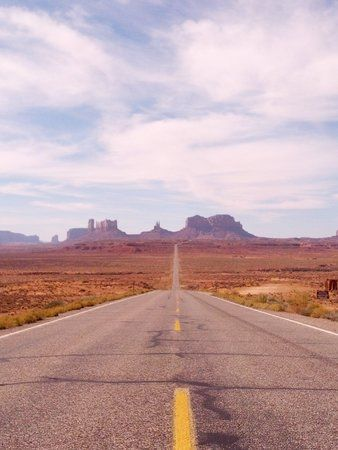 Road to Monument Valley.jpg