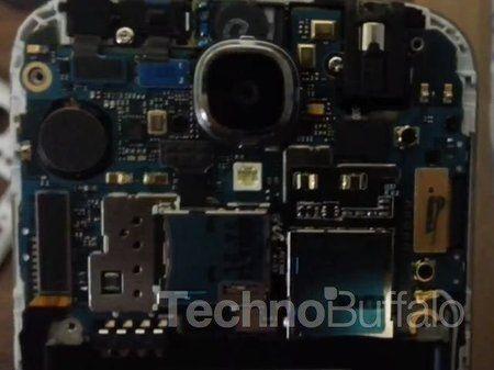 Samsung-Galaxy-S4-Teardown-Close-up-006.jpg