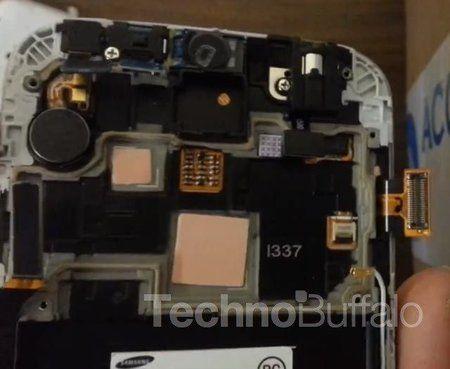 Samsung-Galaxy-S4-Teardown-Close-up-007.jpg