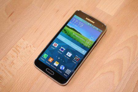 Samsung-Galaxy-S5-unboxing-0012.jpg
