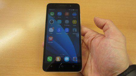 386683d1428847210-honor-4x-im-hands-budget-smartphone-hinterlaesst-einen-positiven-eindruck-revi.jp