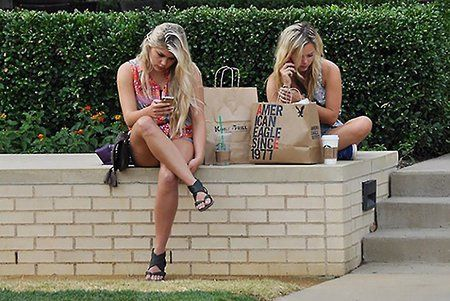 1405026169-8-ways-break-bad-smartphone-habits.jpg